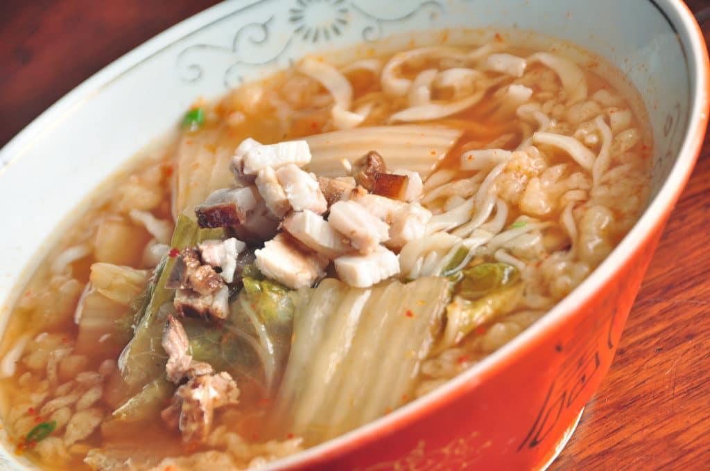 Buta Kimuchi Lamen_Base de porco e galinha com kimchi e chashu - Foto: Rio Artcom