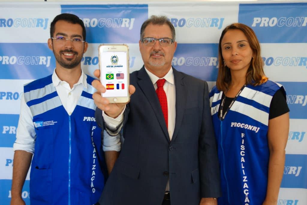Rogério Cupti (Ouvidor e Desenvolvedor do aplicativo), Cássio Coelho (Presidente) e Elisa Freitas (Diretora de Fiscalização)