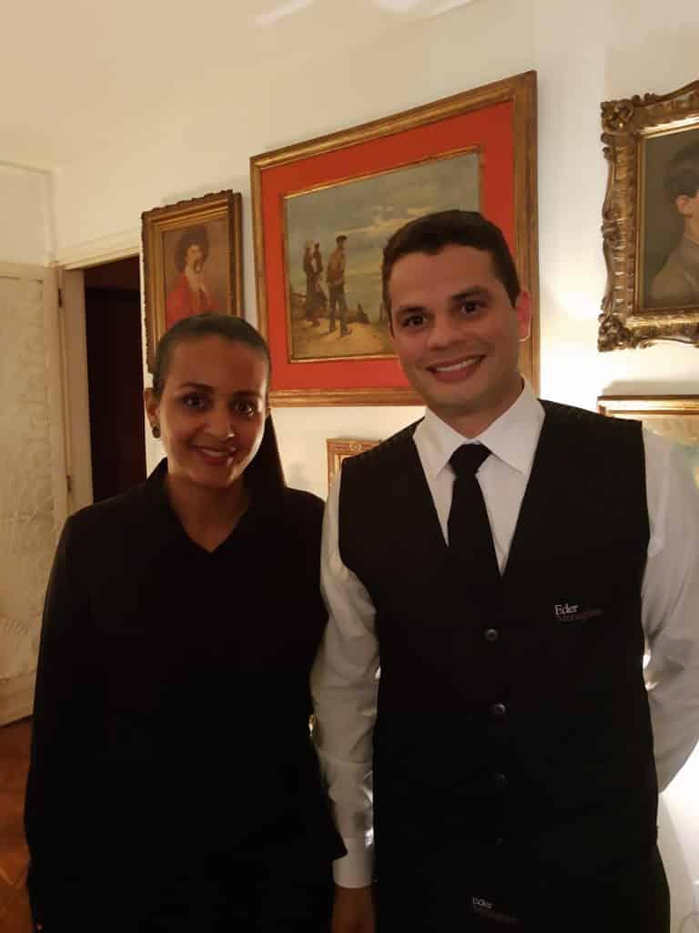 Andréa e Naldo, foram impecáveis servindo os convidados.