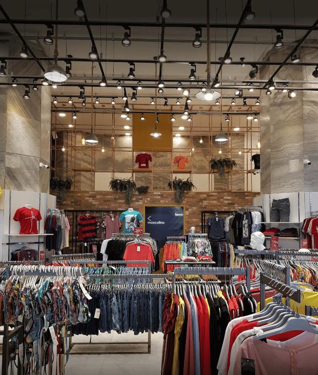 Loja de vestuário dedicada a moda carioca faz sucesso na Central do Brasil